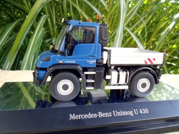 Mercedes Benz Unimog U 400 blau