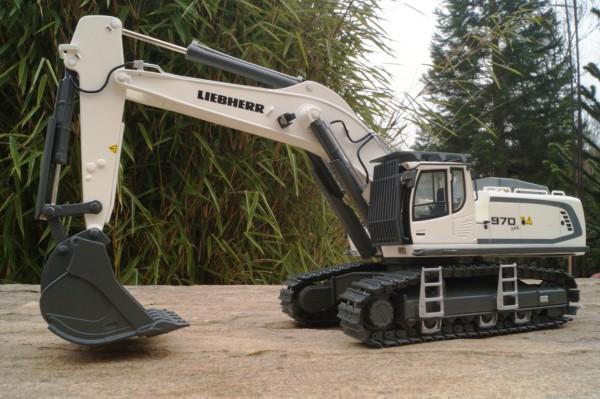 Liebherr R 970 Mining Kettenbagger weiß