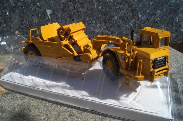 CAT 623G Scraper