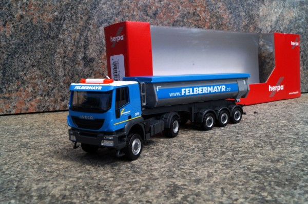 "Iveco Trakker 4x4 Thermomulden-Sattelzug ""Felbermayr"" AT"