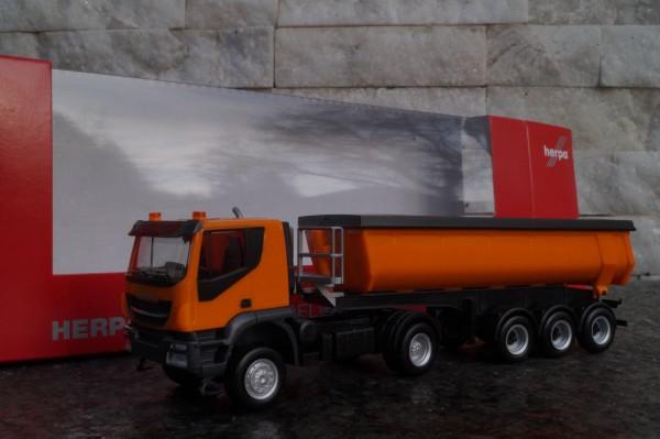Iveco Trakkker 4x4 Thermomulden-Sattelzug, kommunalorange