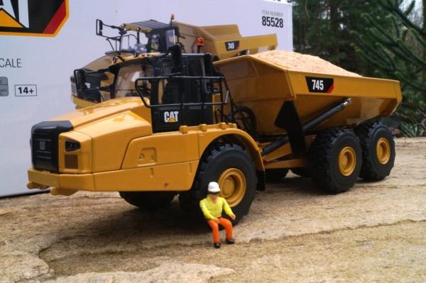 CAT 745 Dumper