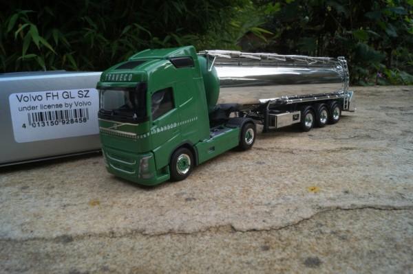 "Volvo FH GL Chromtank Sattelzug ""Traveco CH"""