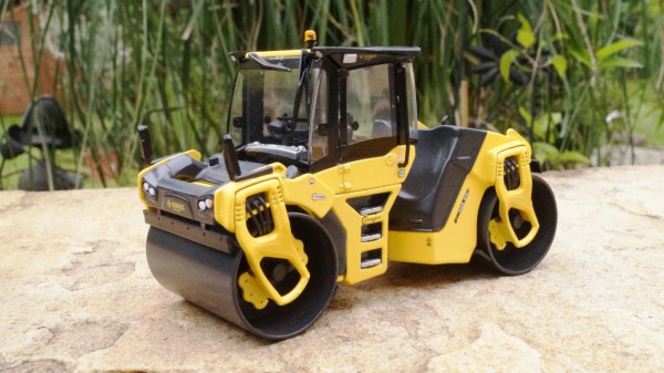 BOMAG Walzenmodell BW 206 AD