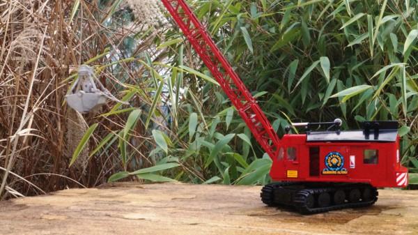 Menck M 154 Seilbagger mit Greifer rot
