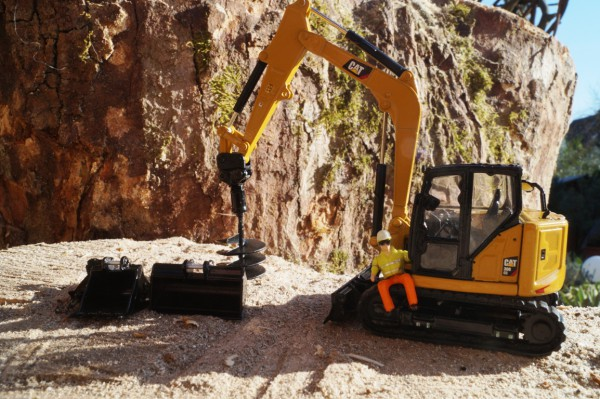 "CAT 308CR Minibagger mit Anbauteilen ""Next Generation"""