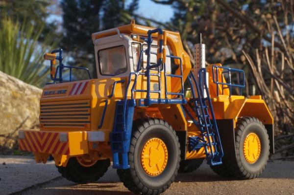 Belaz 74470 Abschleppwagen 35 Tonnen