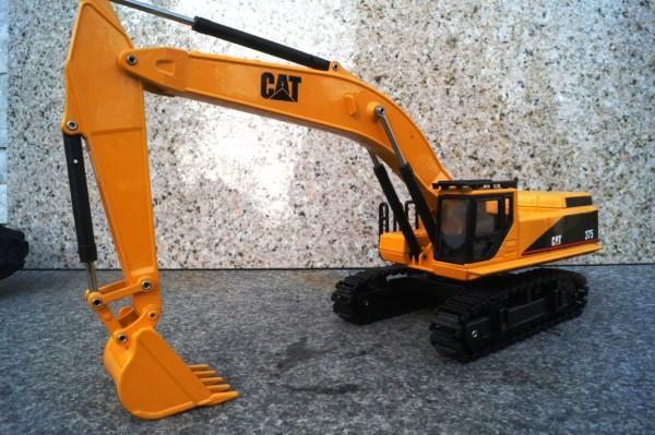 CAT 375 Bagger hellgelb