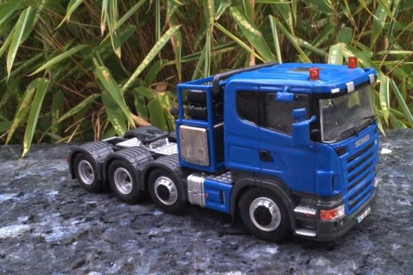 Scania 4achs Schwerlastzugmaschine