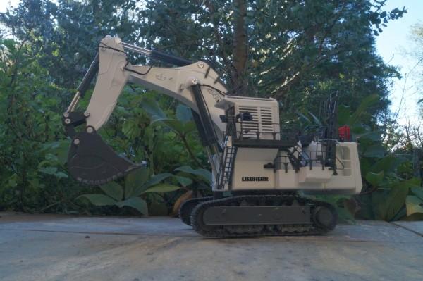 Liebherr Miningbagger R 9400 Tieflöffel