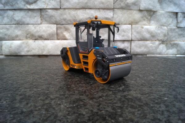 Volvo DD105 Bandagenwalze
