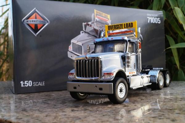 "International HX 520 3achs Zugmaschine ""metalic grau"