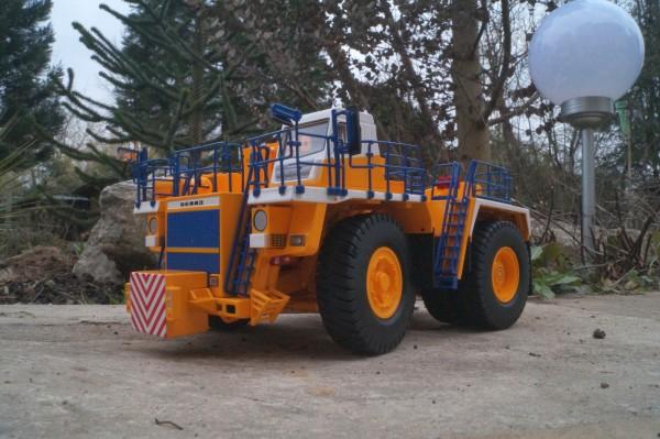 Belaz 74131 Abschleppwagen 120 Tonnen